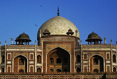 Humayun's tomb, New Delhi, India. Seth Rosenblatt (c) 2006.