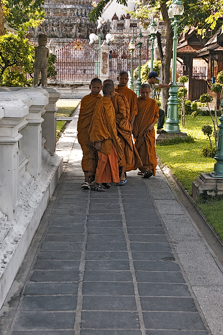 Young monks at a temple, Bangkok, Thailand. Seth Rosenblatt (c) 2005.