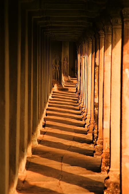 Eastern gallery corridor, Angkor Wat, Cambodia. Seth Rosenblatt (c) 2006.