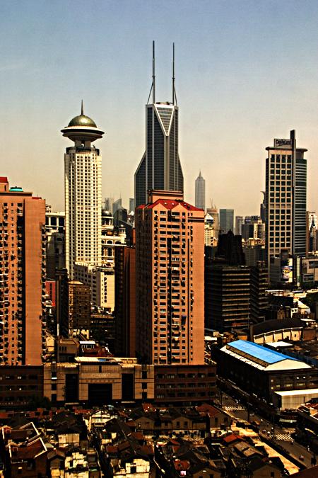 Huangpu skyscrapers, Shanghai. Seth Rosenblatt (c) 2006.