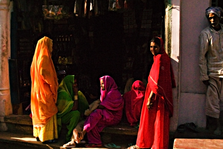 Five women and a man at the local bazaar, Nawalgarh, Rajasthan, India. Seth Rosenblatt (c) 2006.