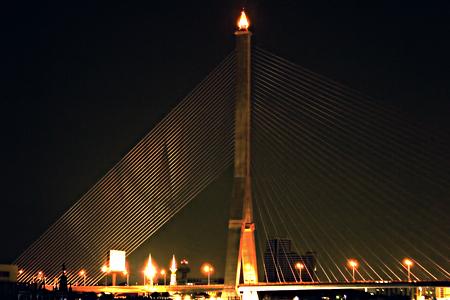 Rama VIII Bridge, Bangkok, Thailand. Seth Rosenblatt (c) 2006.