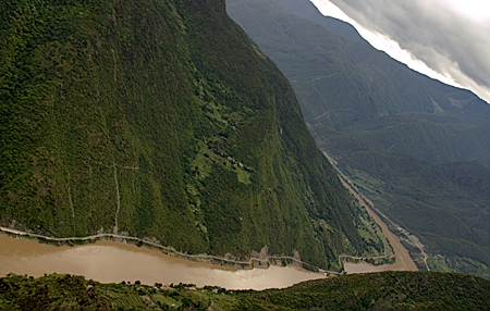 View from the top of Tiger Leaping Gorge, Yunnan Province, China. Seth Rosenblatt (c) 2006.