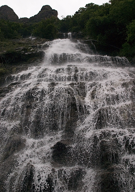 Waterfall in Tiger Leaping Gorge, Yunnan Province, China. Seth Rosenblatt (c) 2006.