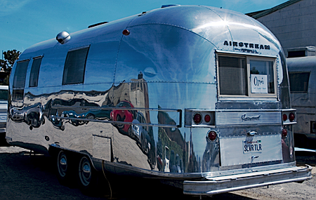 A late 1960s Airstream Overlander, Spring Open Studio, Hunters Point, San Francisco. Seth Rosenblatt (c) 2007.