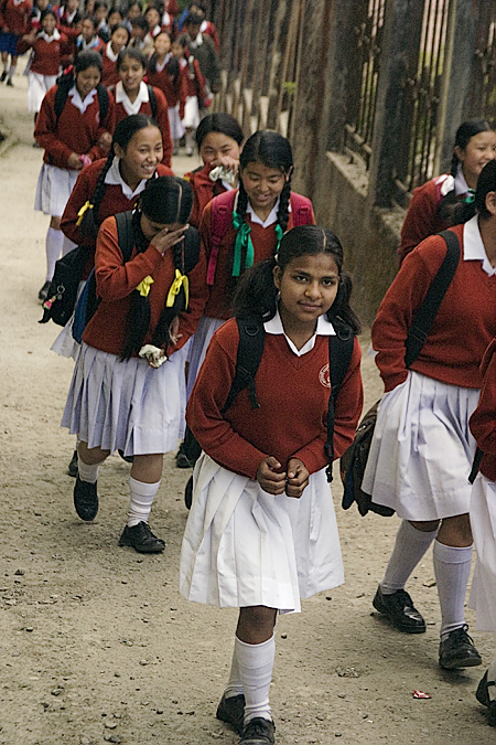 Schoolgirls returning home in the afternoon, Darjeeling, India. Seth Rosenblatt (c) 2006.