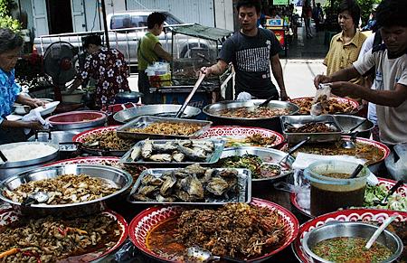 Food stall on Rattanakosin, Bangkok, Thailand. Seth Rosenblatt (c) 2005.