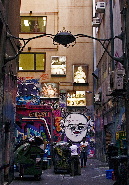 An alley in the CBD, Melbourne, Australia. Seth Rosenblatt (c) 2005.