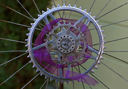 Decorative bike wheel at the Art94124 street fair in Bayview, San Francisco. Seth Rosenblatt (c) 2009.