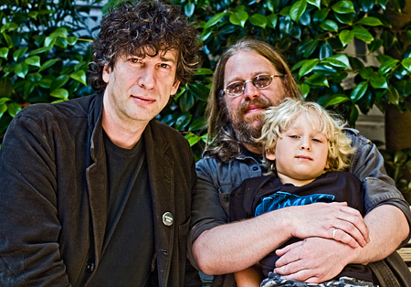 Neil Gaiman, Comics Experience proprietor Brian Hibbs and his feisty son Ben. Seth Rosenblatt (c) 2009.